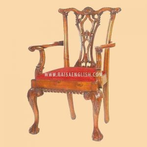 RACR 016 A - Shell Back Chippendale Carver